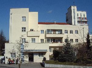 Haus in der wei enhofsiedlung stuttgart for Villas weissenhofsiedlung